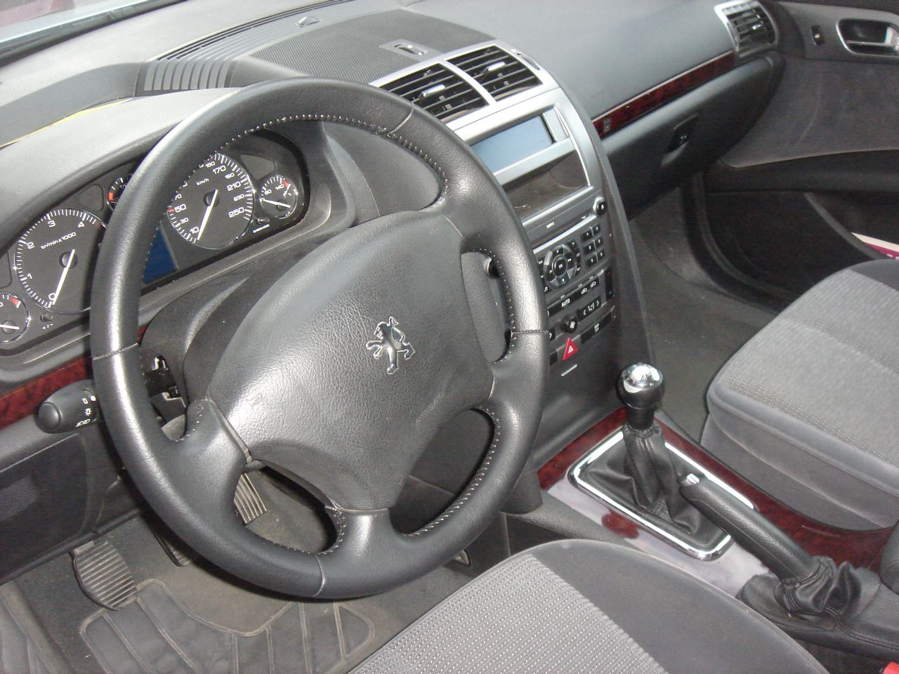 Essai peugeot 407 1 6 l hdi 110 ch passion automobile info for Interieur 406